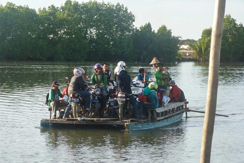 Fairaway-rundreise-sueden-sulawesi-09-Makassar culinaire excursie pondje over