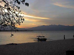 rundreise-bali-erlebe-indonesien-gili-inseln-sonnenuntergang-300x225