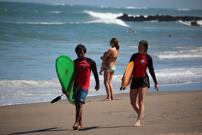 Surfen Nengah Bali 2