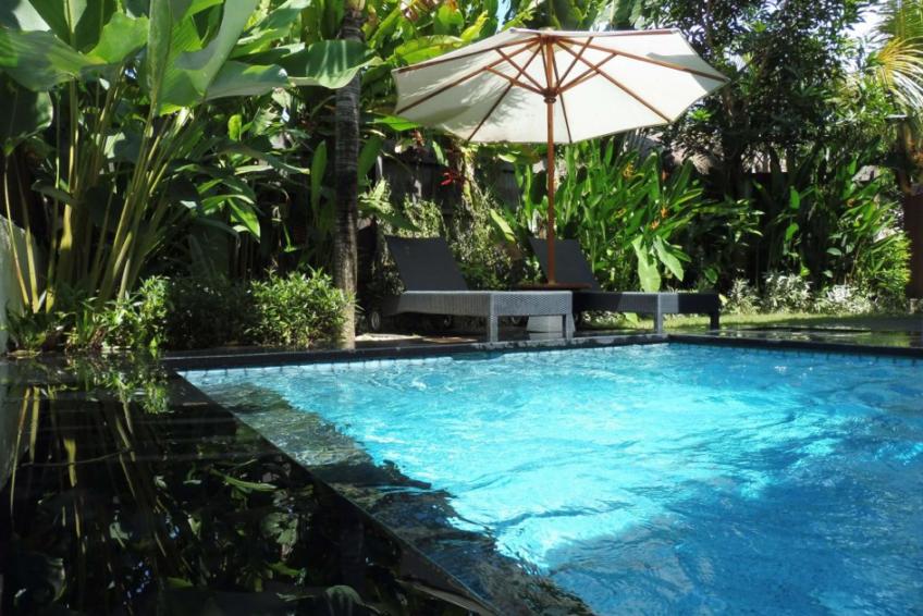 Poolside_villa_SWG