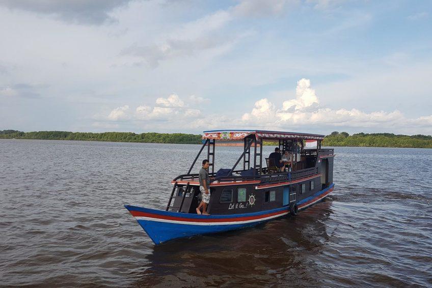 orangutanhouseboattour8