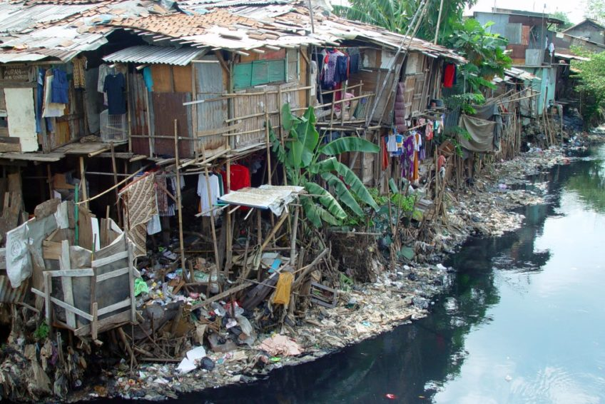 Indonesia's-environmental-issues-river-pollution-by-internet