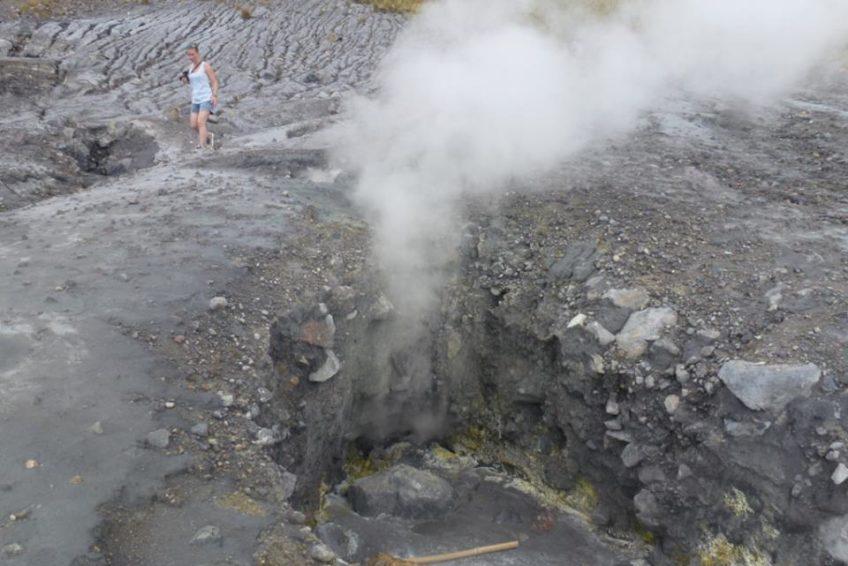 Lokon_volcano_1