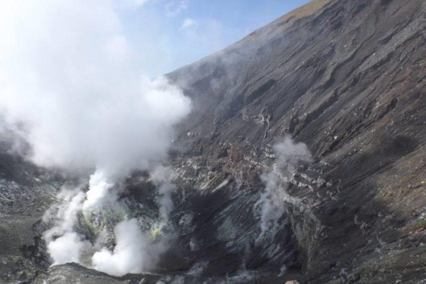 Lokon_volcano_5