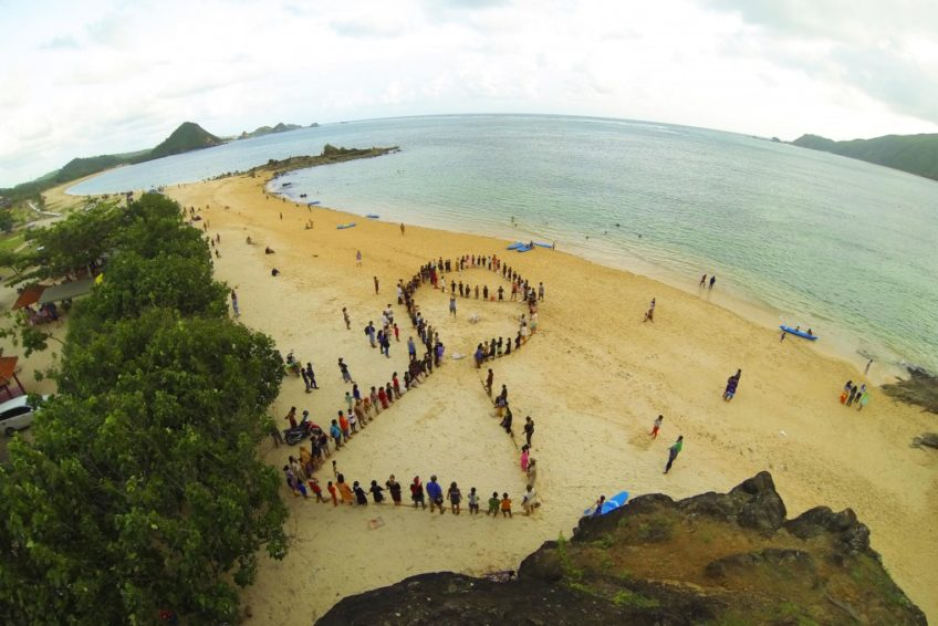 environmental-awareness-event-Lombok-2015-by-Tomas-Freudl