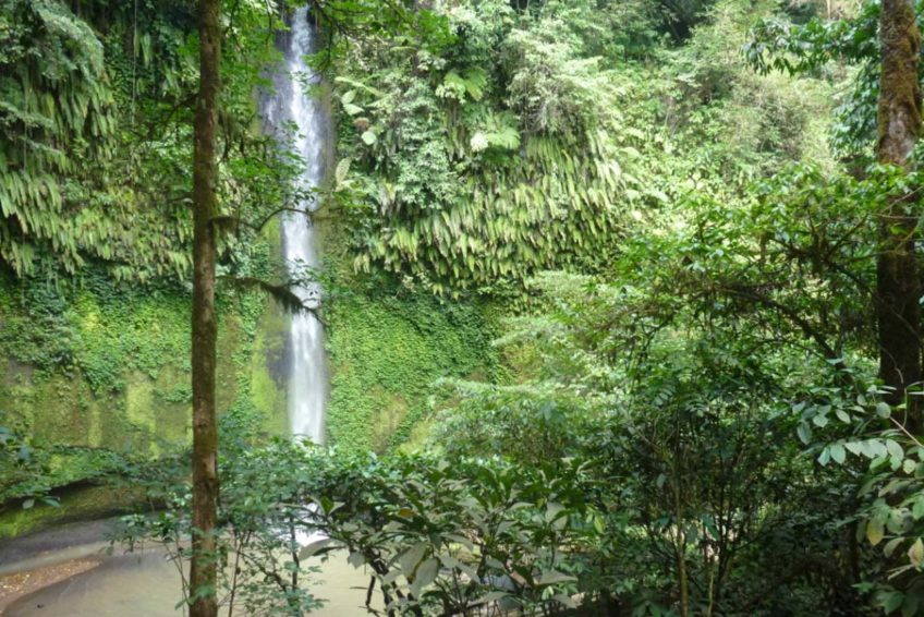 3-seen-tour-tomohon-10-Tumimperas-waterfall
