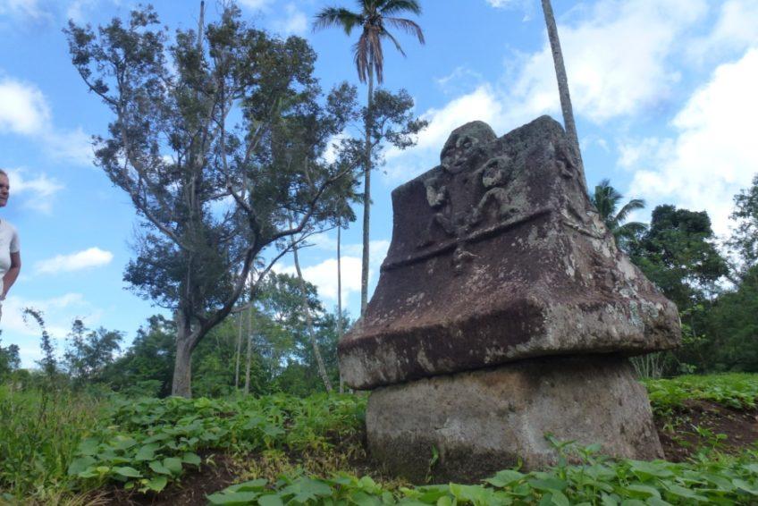 Minahasa Tour-Waruga_Woloan_1