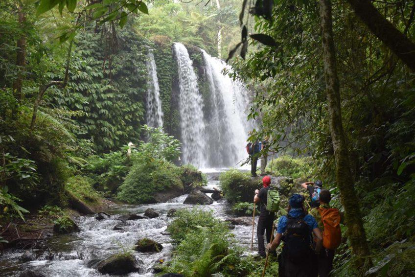 CocosTravel-Fahrradtour-14Regenwaldwasserfall