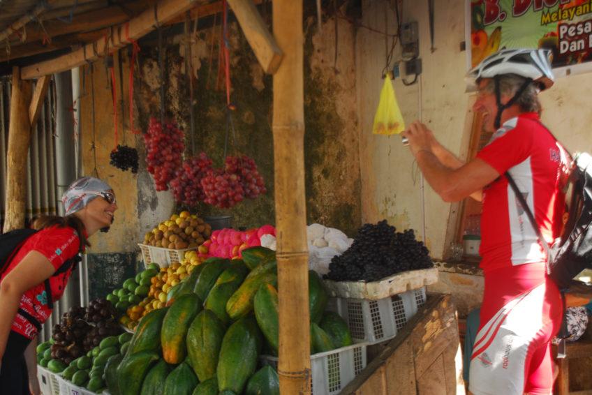 CocosTravel-Fahrradtour-5Fruchtmarkt