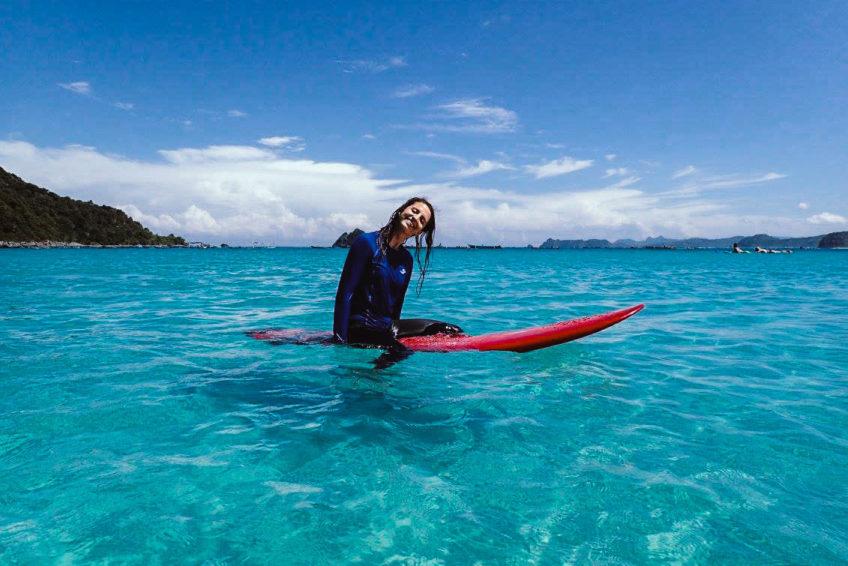 kura-kura-surfcamp-kuta-lombok-blue-water