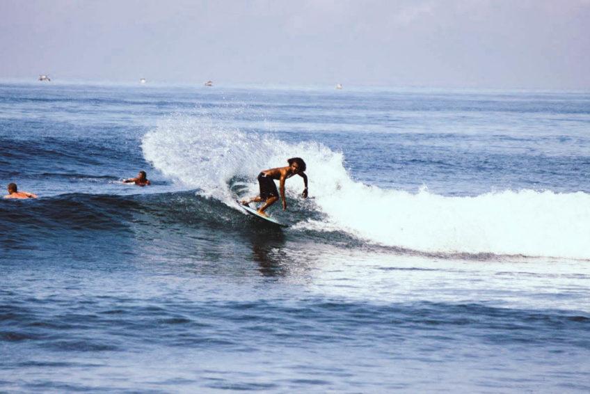 kura-kura-surfcamp-kuta-lombok-spray
