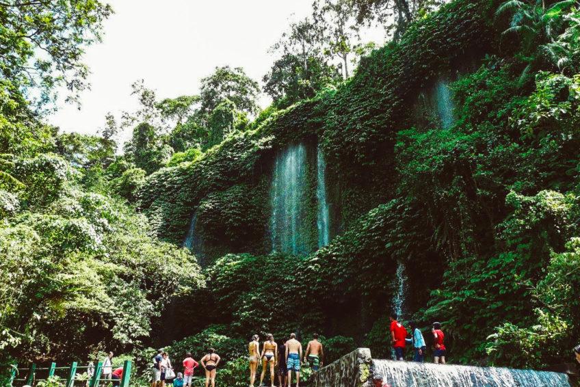 kura-kura-surfcamp-kuta-lombok-waterfall
