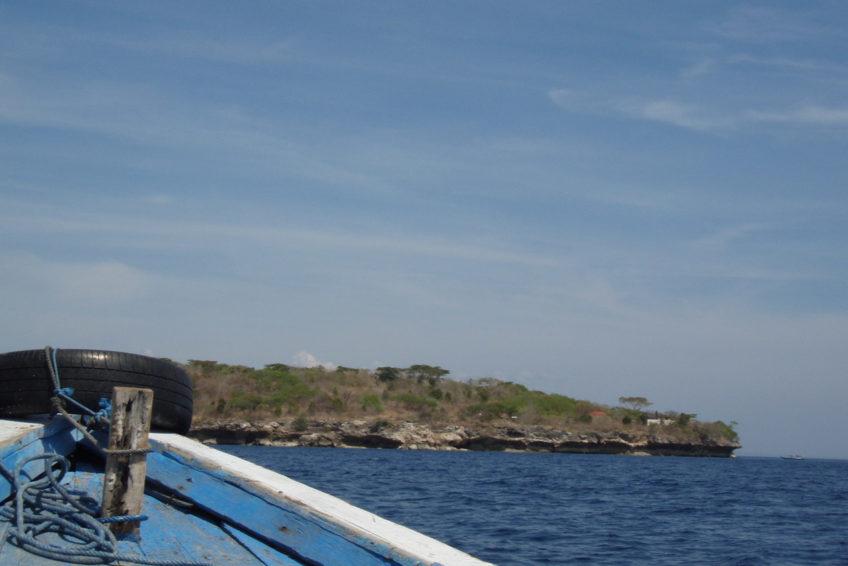rundreise-bali-erlebe-indonesien-Aussicht vom Boot auf Menjangan