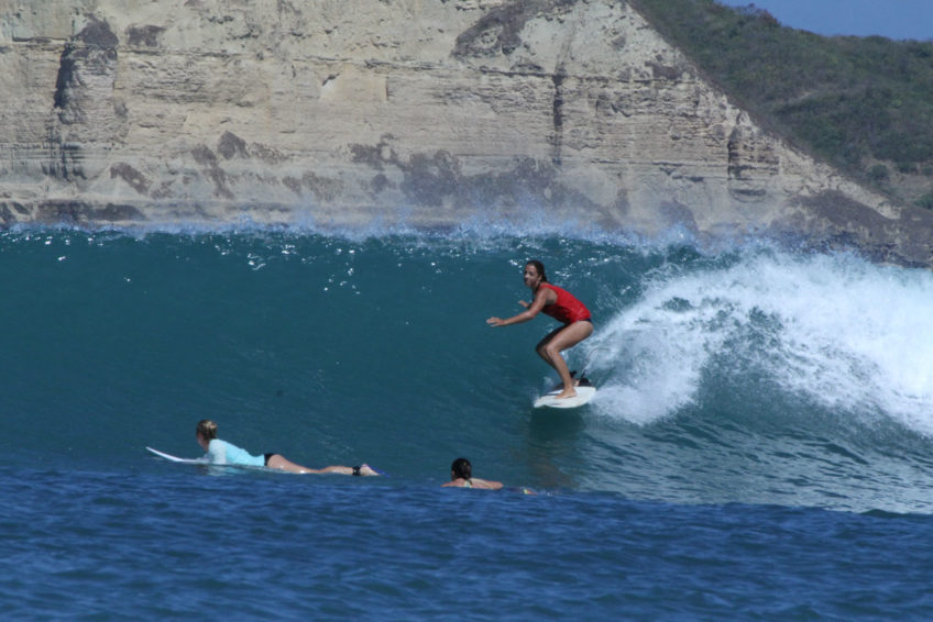drop-in-surf-lodge-camp-15
