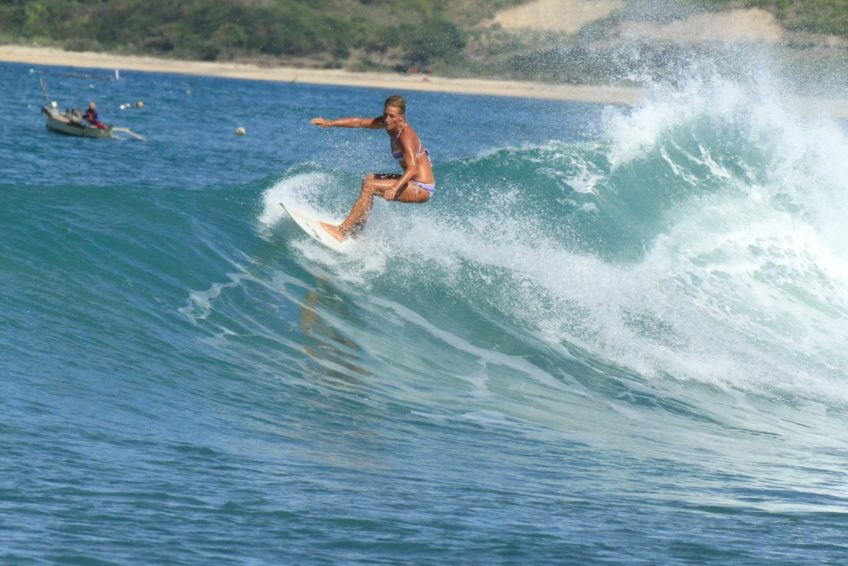 drop-in-surf-lodge-camp-20