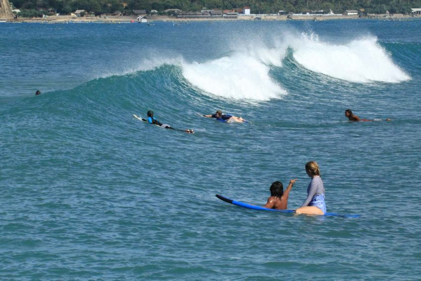 drop-in-surf-lodge-camp-22