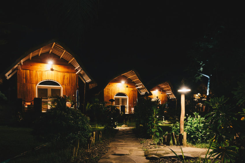 drop-in-surf-lodge-camp-42