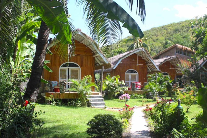 drop-in-surf-lodge-camp-51