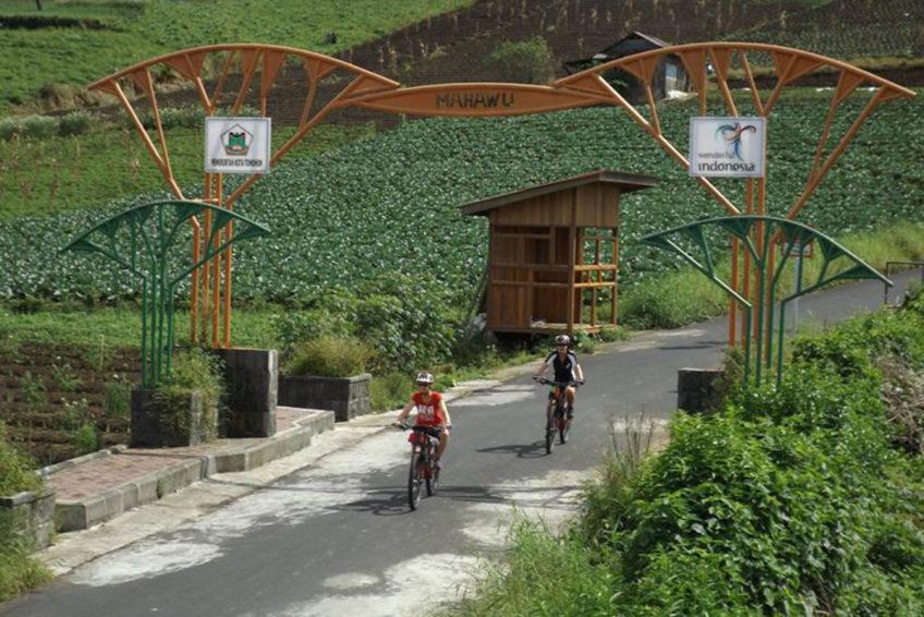 bike-tour-tondano-see-1