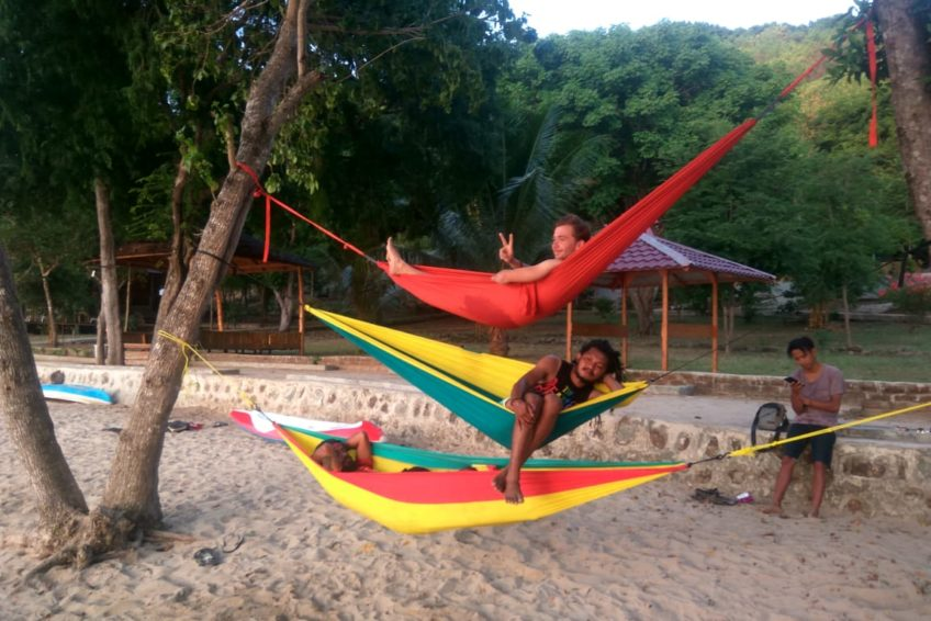 orange-flores-tour-hammock