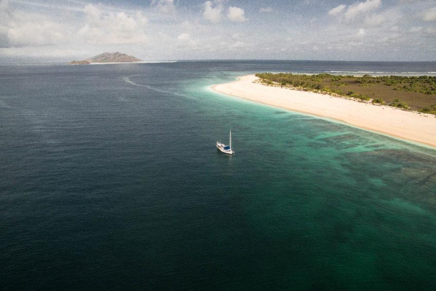Sri Noa Noa Cruising Cruising Empty Beaches